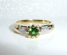 14 kt / 585 gold ring with 0.50 ct tsavorite + 0.12 ct diamonds, ring size 56-57 - like new