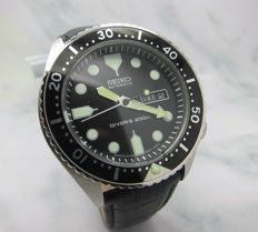 Seiko Divers 200M Black 6309 Rotating Bezel Japan Automatic Day Date Watch-Mint