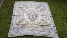 "Hermès Paris - Vintage ""Au Champ"" scarf for collectors - Designed by Faconnet, in good condition - No reserve price -"