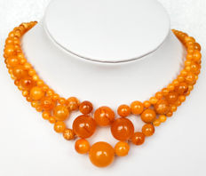 Natural vintage Baltic Amber necklace in dark egg yolk colour, 43 cm, 35 gram