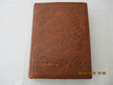 Belgium - Middle 20th century - 216 chromo's (36 series) by Liebig in album of brown artificial leather.