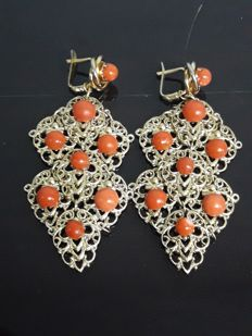 Antique coral earrings from the 20th century (no reserve price)