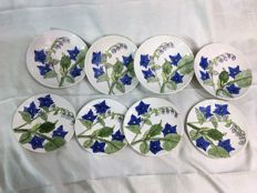 Ernestine Salerno -  4 Large and beautiful bowls plus 4 plates