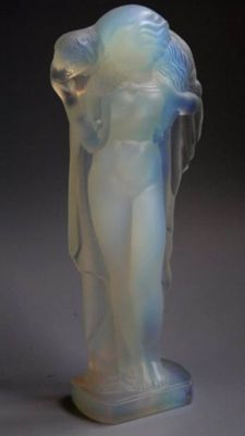 "Sabino Paris - ""Lady et l'agneau"", opalescent glass sculpture"