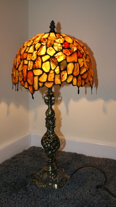 Certified Amber hand made lamp insects and inclusions incl. certificate, shade diameter: 27 centimeters