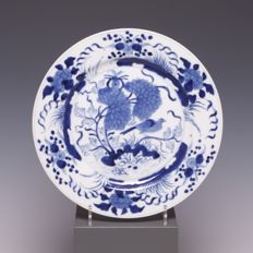 Beautiful blue and white porcelain plate, birds and flowers - China - c. 1800