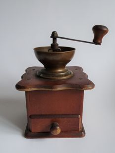 Coffee grinder - The Netherlands, late 19th century