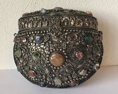 White metal coin purse with natural stones - Tibet - Mid 20th century