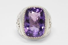 Silver men's ring set with amethyst, 22 ct, size 66