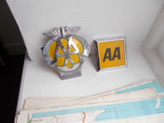 vinatge 2 x AA CAR BADGES chrome and 6 x AA NEW  ZEALAND motor touring maps all original fine detail lovely patina