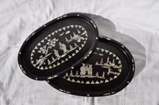 A fine pair of wooden nesting trays with shell inlay. China, early 20th century