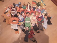30 Old and new puppet dolls from The Netherlands and Belgium