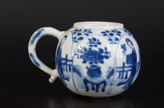 Chinese porcelain blue and white Kangxi mustard pot - China - 17th century (Kangxi period)