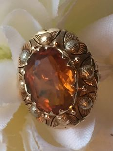 Antique gold ring with a (honey) citrine / facet cut / 6.45 grams / size 16.25