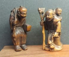 Two boxwood netsuke - China - late 20th century