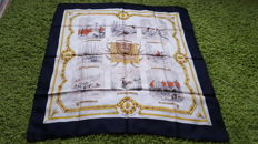 "Hermès Paris - Vintage Collector's scarf ""Episodes de la chasse à courre"" (Scenes from the Hunt) - designed by Jean-Charles Hallo, in good condition"