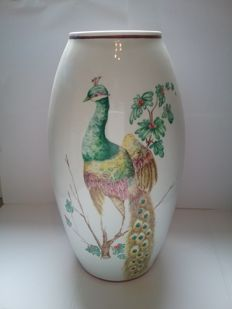Vase in porcelain of Limoges