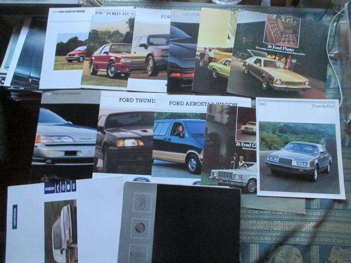 Car brochures (Ford USA, including Mustang/Thunderbird/Pinto, 13x, 1976-1989)