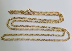 Long chain of 56 cm in 18 kt yellow gold. 56 cm.