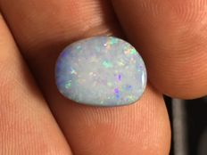 Opal from Coober Pedy - doublet - 13 x 10 x 4,8 mm - 5,8 ct
