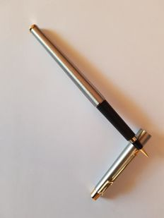 Parker classic steel flighter fountain pen, F Nib, with converter  - New in box