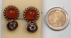 Two pair of silver hallmark 975 cuff links with stones, goldplated.