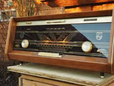 Philips stereo tube radio Bi-Ampli model PLANO, from 1962 Type B5X23A/04