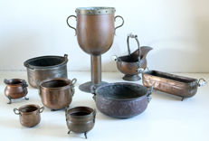 Collection of 9 copper objects - kettles, planters and pots