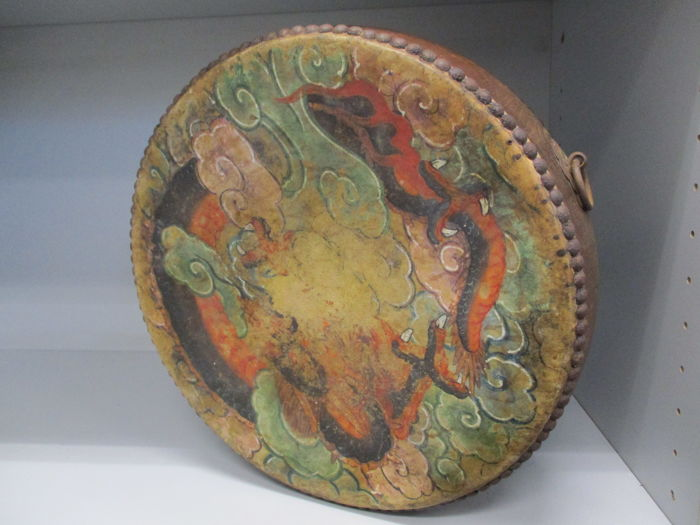 Splendid Hiradaiko, traditional Japanese taiko drum with dragons paintings - Japan - 19th century