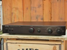 Rotel RC-995 preamp from the elite class