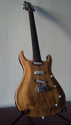High luthier making electrical guitar - Armas-Guitar-Company-Italia - serial number 09011111 - with soft case