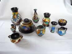 Lot with earthenware: Preserves pot - Vases - Cachepot with handles - Ashtray - Bowls