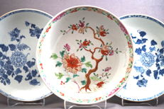 Collection of 3 deep plates - China - 18th century