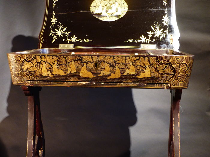 Sewing table in lacquer china canton qing dynasty for Table 6 in canton
