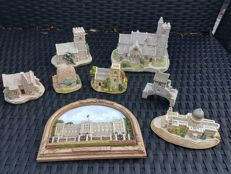 Lilliput lane great heritage collection collectors items.