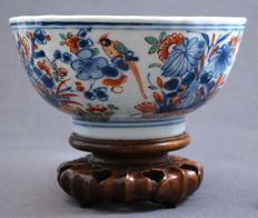 Ribbed bowl with décor of parrots and flowering branches - China - c. 1700, Kangxi period (1662-1722)