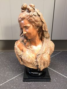 L. Robyn - Beautiful terracotta bust of a young woman - Brussels, Belgium - dated 1887