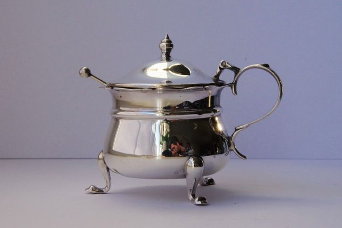 Silver mustard pot - James Swann & Son - Birmingham - 1946