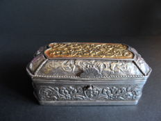 Chased silver sirih box with gold lid plate - South Sulawesi, Indonesia - 19th century