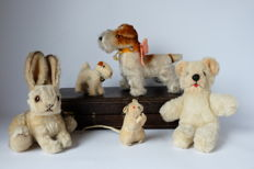 Collection of old stuffed animals, including Steiff (5)