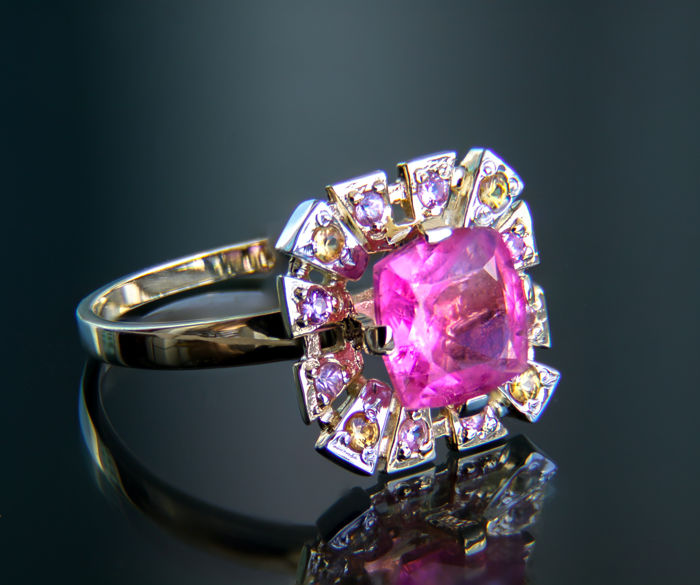 2.32 ct. Tourmaline and Pink and Yellow Sapphires 14k Gold Ring. Ring size: 18 mm. No reserve price