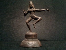Bronze Parvati dancing - India - second half 20th century.