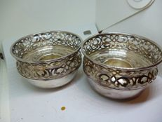 Pair of silver candlesticks in English silver plate, period: 1900-1940.