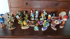 Collection of 27 Warner Bros figurines