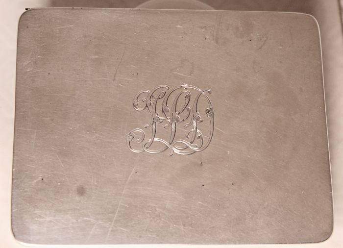 Silver cigarette case - Stokes & Ireland Ltd - Chester - 1911