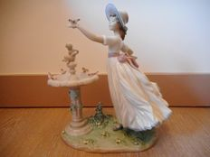 "Lladro - Figurine in Porcelain titled ""Spring Joy"" n°6106"