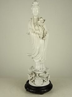 Large blanc-de-Chine figure of Guanyin - China - second half of the 20th century