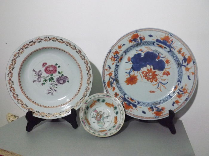 Famille Rose dish - China - 18th century Imari dish 18 th century and bowl from Republic Period circa 1900