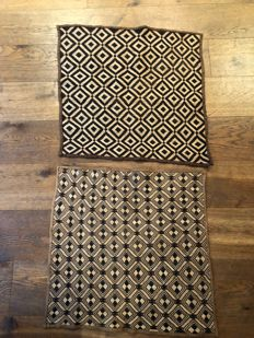 Lot of 2 ancient traditional textiles - KUBA - D.R of Congo