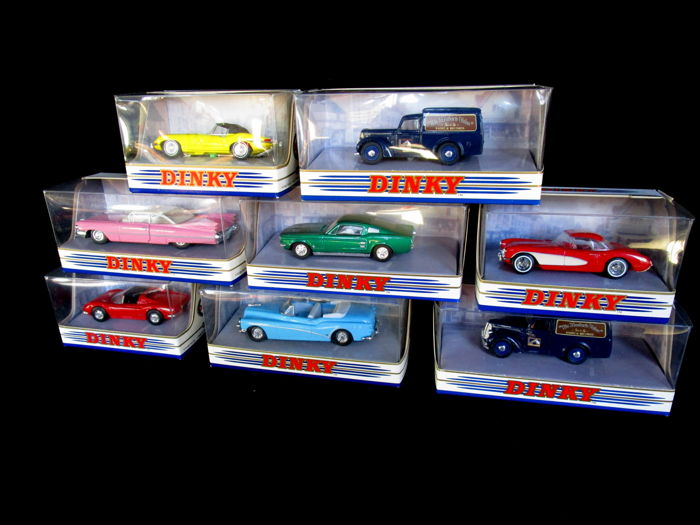Dinky Toys-Matchbox - Scale 1/43 - Lot with 8 models: Ford Mustang, Cadillac coupe de ville, Chevrolet corvette, Jaguar E type, 2x Commer 8, Buick skylark, Ferrari dino.
